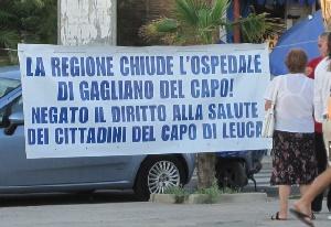 Leuca - Manifestazione contro la chiusura dell'ospedale di Gagliano