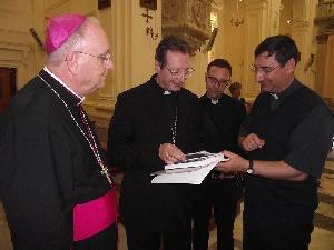 Leuca - Visita in Basilica del Cardinale Giovanni Lajolo