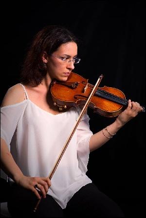 CRISTINA CIURA, violino VIVIANA LASARACINA, pianoforte