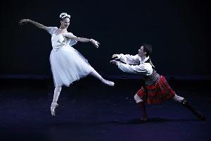 Ultimi due appuntamenti con il Balletto del Sud al Teatro Apollo: sabato 4 e domenica 5 maggio - Serata Romantica - e omaggio a Stravinskij